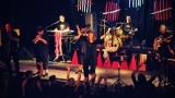 Dámy i pánové oslavili s kapelou Sto zvířat 30 let na hudební scéně (25 / 28)