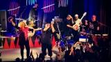 Dámy i pánové oslavili s kapelou Sto zvířat 30 let na hudební scéně (27 / 28)