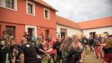 Třetí ročník Cidre Punk Festu v Újezdě u Chanovic přilákal fanoušky i z dosti vzdálených končin (146 / 242)