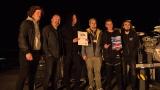 Kapela Seven - předání certifikátu o rekordu v pyrotechnických efektech (106 / 108)