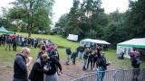 Přes nepříznivou předpověď počasí se multižánrový festival Vyvrhells pro děti uskutečnil, tahounem byla kapela E!E (136 / 345)
