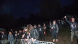 Přes nepříznivou předpověď počasí se multižánrový festival Vyvrhells pro děti uskutečnil, tahounem byla kapela E!E (176 / 345)