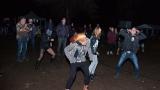 Přes nepříznivou předpověď počasí se multižánrový festival Vyvrhells pro děti uskutečnil, tahounem byla kapela E!E (239 / 345)