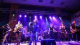 MICHAL AMBROŽ & HUDBA PRAHA PRÁVĚ JEDOU SRDEČNÍ PŘÍBĚH TOUR 2017 (18 / 37)