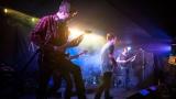 Hardcorový večer v Rock café přitáhl spoustu fanoušků. (22 / 89)