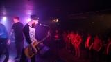 Hardcorový večer v Rock café přitáhl spoustu fanoušků. (62 / 89)