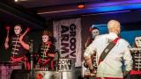 Na křest desky nového hudebního projektu bubeníka Tokhiho dorazila celá řada známých tváří v čele s Ilonou Csákovou, Miro Šmajdou a Michalem Kavalčíkem (19 / 39)