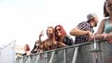 fans (90 / 251)