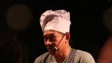 zpívající stánkař Tonda (243 / 251)