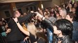 kapela Komunál - výlet zpěváka mezi fanoušky (74 / 143)