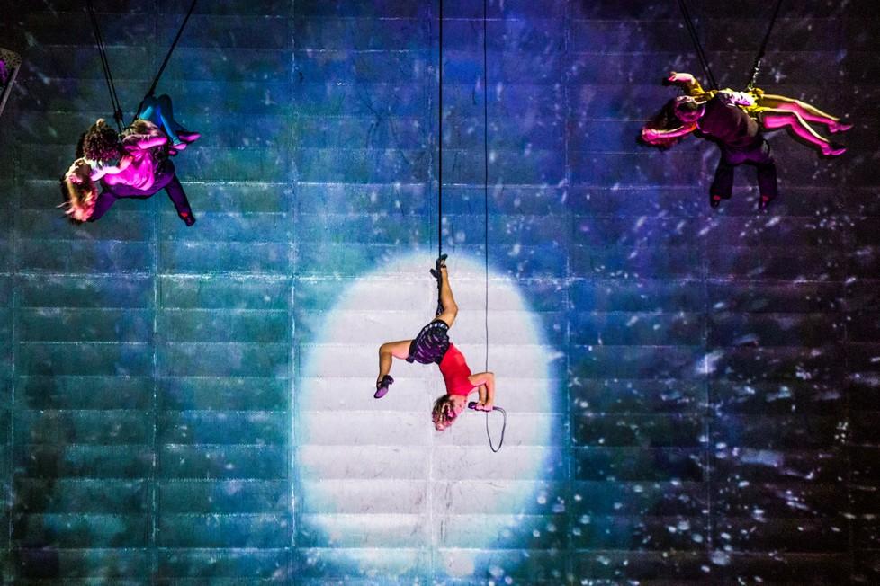 Nový cirkus, divadlo i tanec.  Na Ostrov …