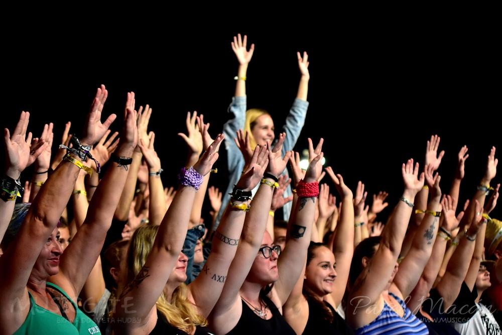 Celým festivalem publikum mistrně a vtipně …