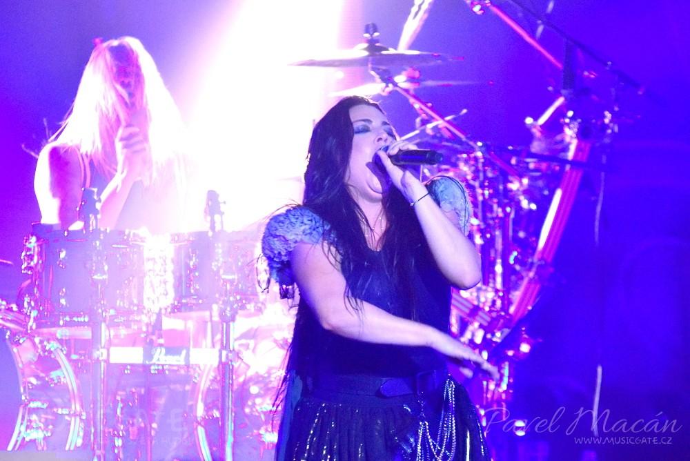 Dechberoucí show Evanescence neskutečně rychle …