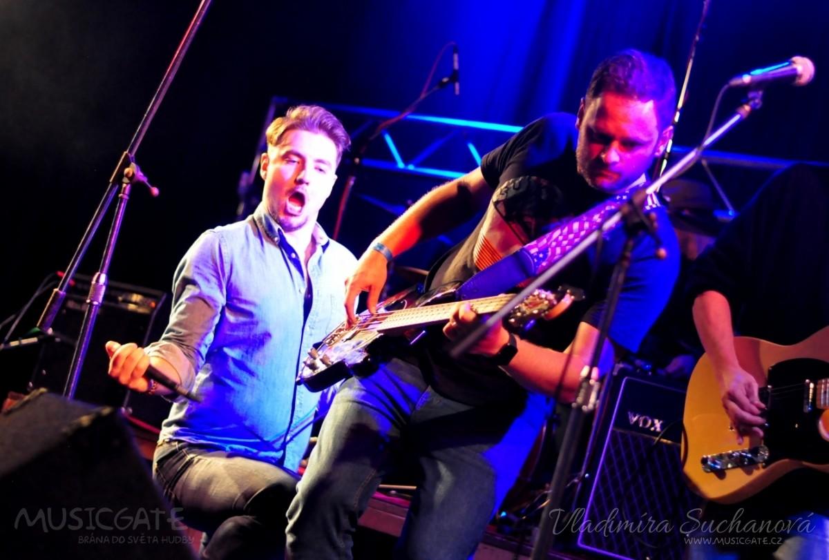 Excluzivní rock'n'folk předvedli na pódiu …