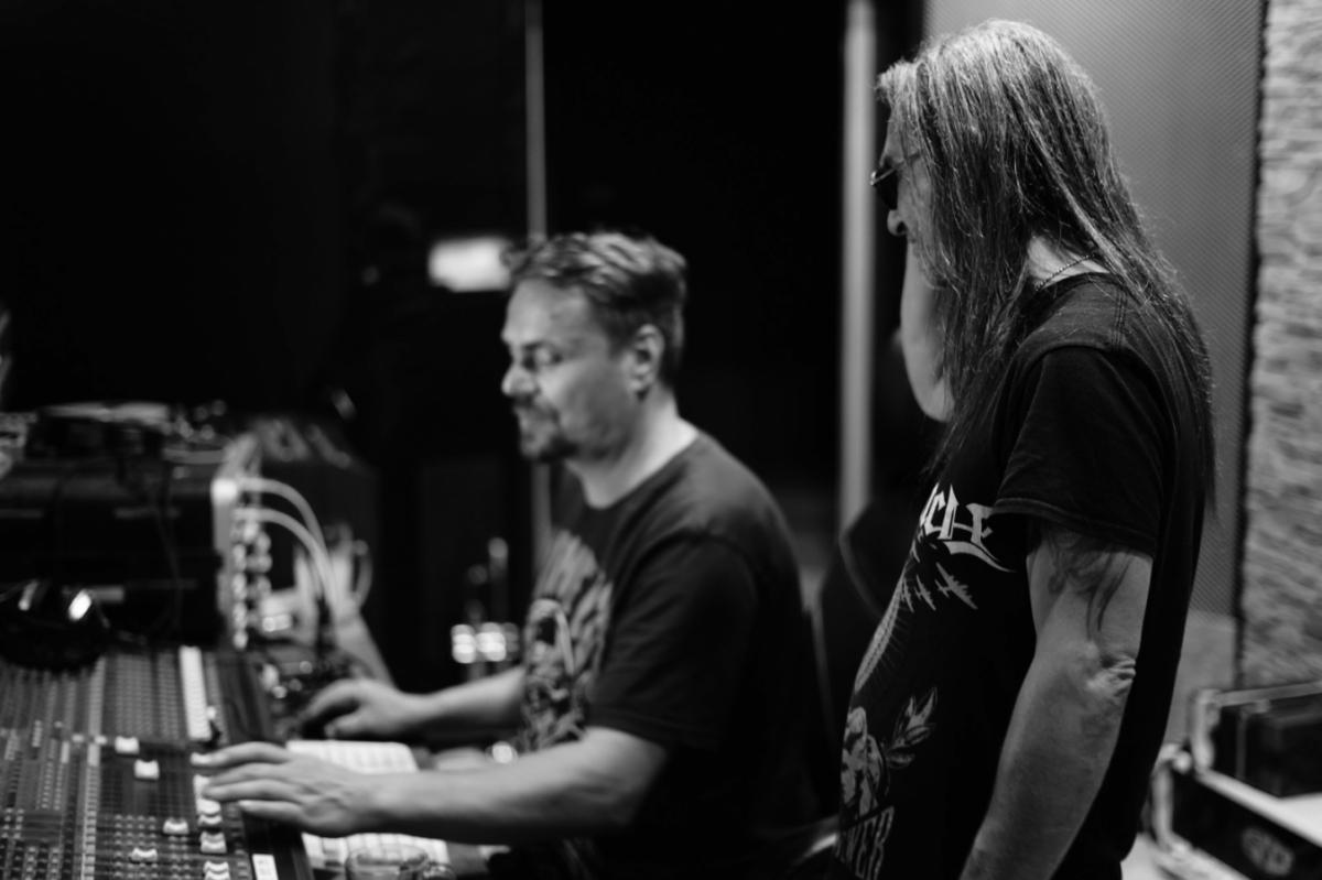 Pavel Balko nejen natočil bicí nástroje, ale …