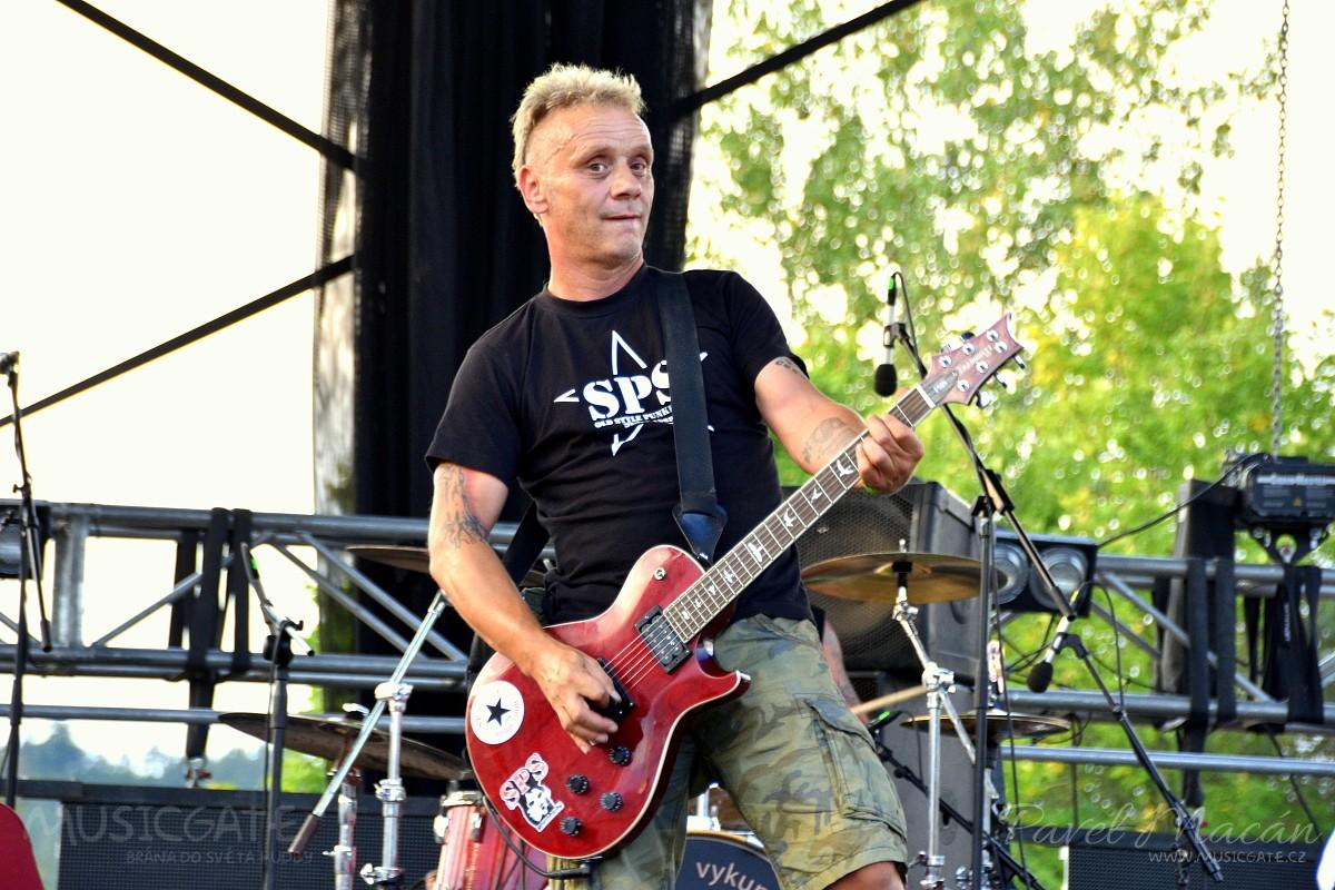Parta legendárních pražských punkových rebelů …