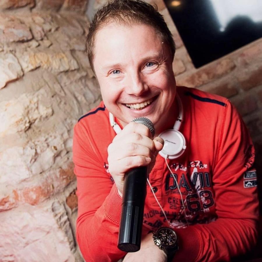 Martin Hájek, v současné době moderátor, DJ, …