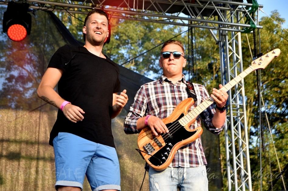 Plzeňská alternative pop rocková skupina Emoce …