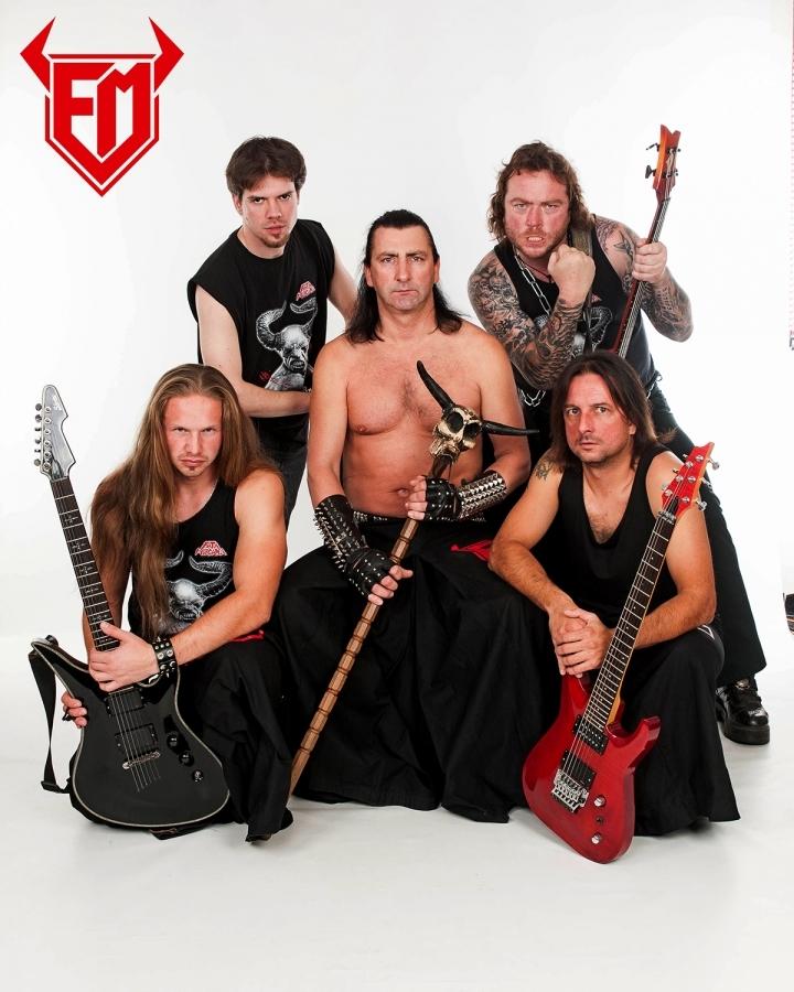 Ke kulatinám průkopníků black metalových show …