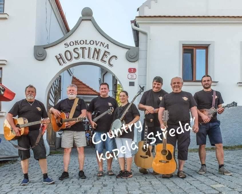 Plzeňská skupina Středa se na country scéně …