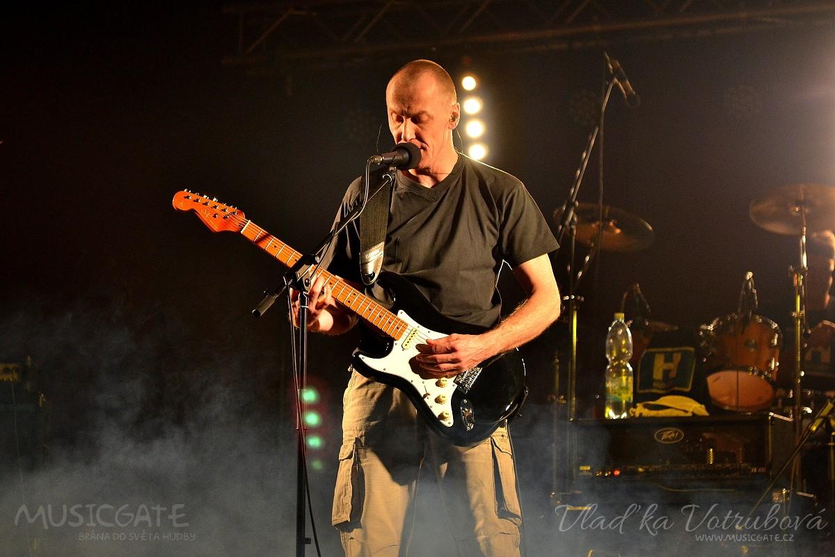 Mrákovskou sobotní rockovou jízdu 3.12. …