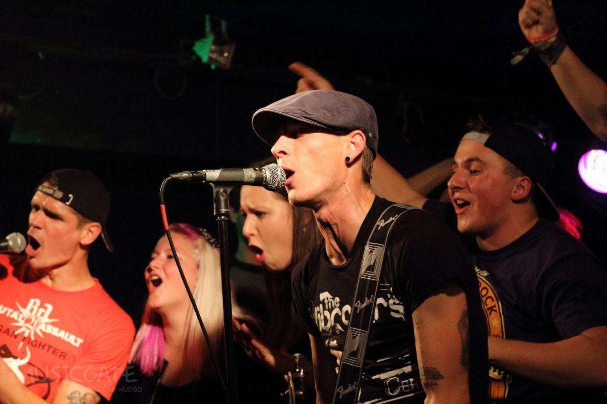 S kapelou The Fialky zpíval Vagon! A to na pódiu!