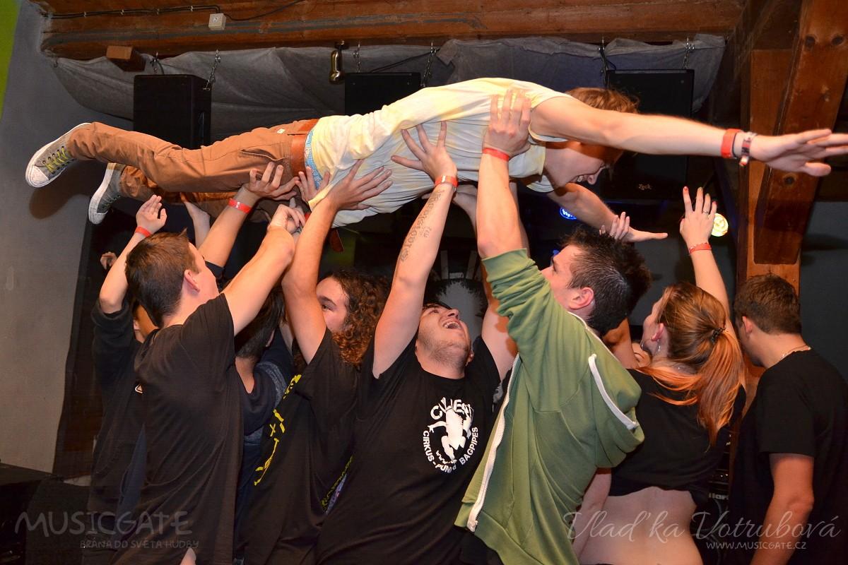 Civilní Obrana, ATD a Curlies vystoupili v rámci ROCK LIVE TOUR v Moskytu!