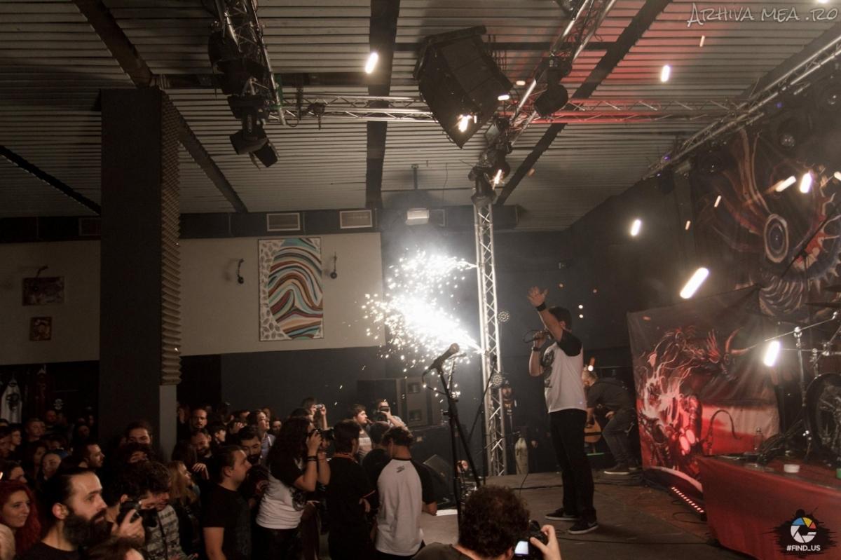 Charitativní koncert jako vzpomínka na oběti tragédie v bukurešťském klubu Colectiv