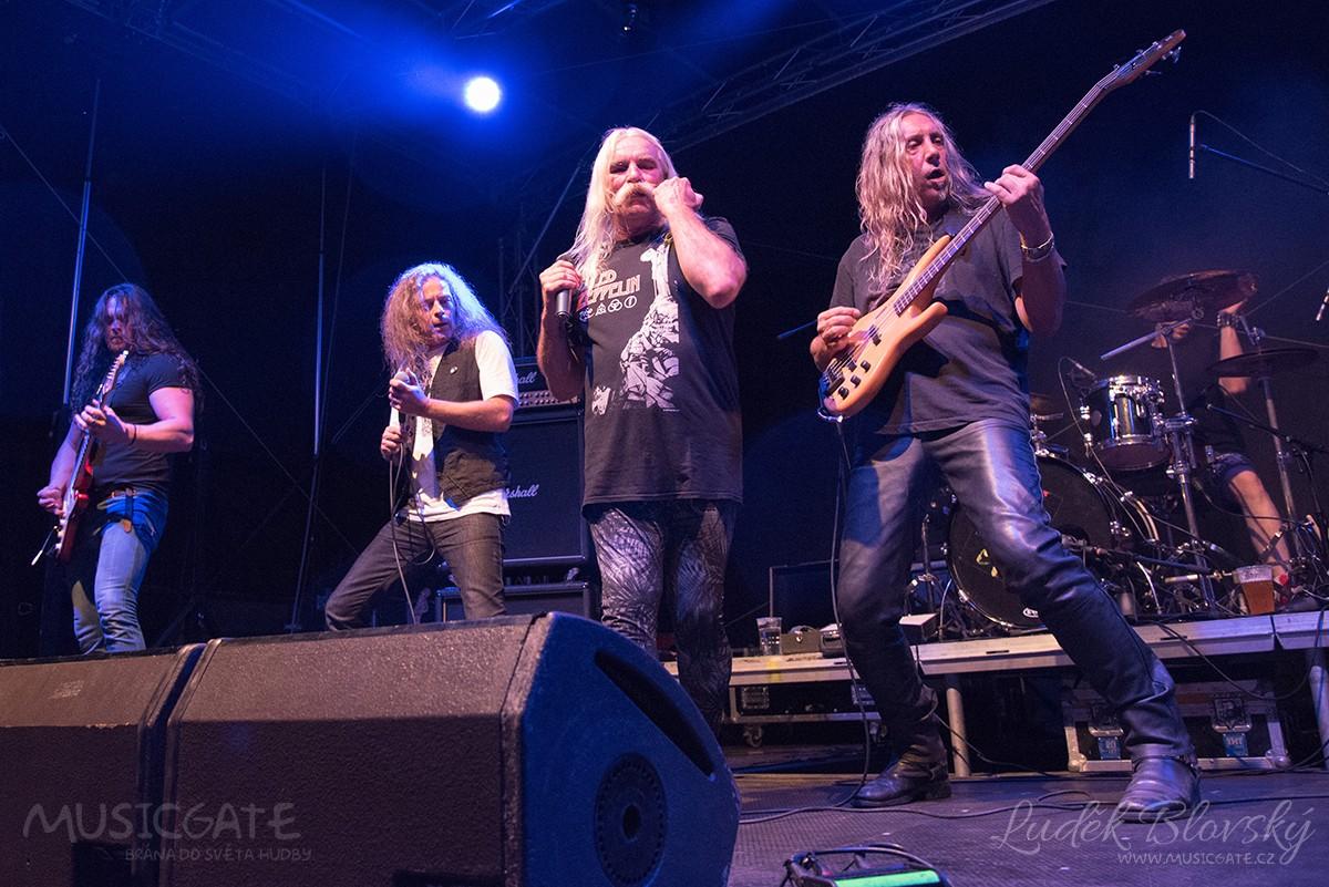 Pravý břeh Úslavy obsadili ve Šťáhlavech rockeři z širokého okolí