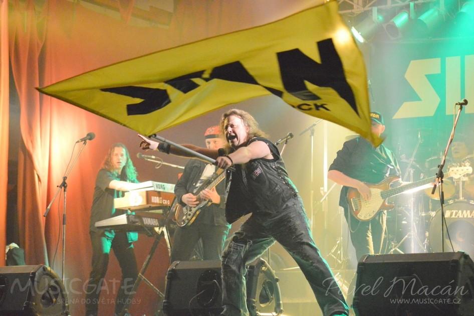 Sifon rock svými legendárními hity zaperlí v KD Mrákov!