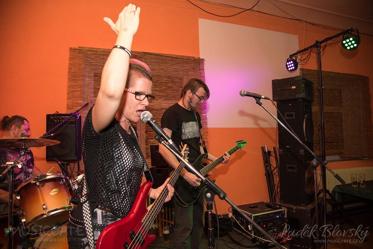 Minifestival 100% Tolerance představil čtyři kapely