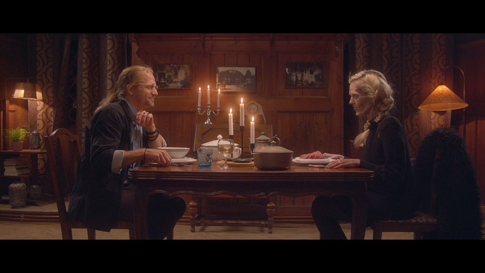 VIDEO: Láska, nenávist a zombie. Tomáš  a Tamara Klusovi spolu v novém klipu Dobrodružce rozehrávají netradiční love story