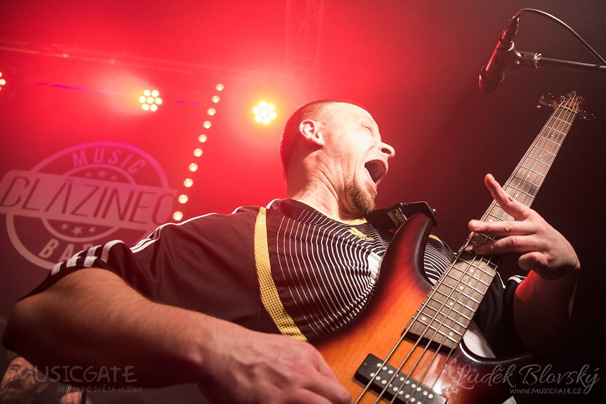 V loděnickém Blázinci odstartovaly letošní sezónu známé regionální kapely
