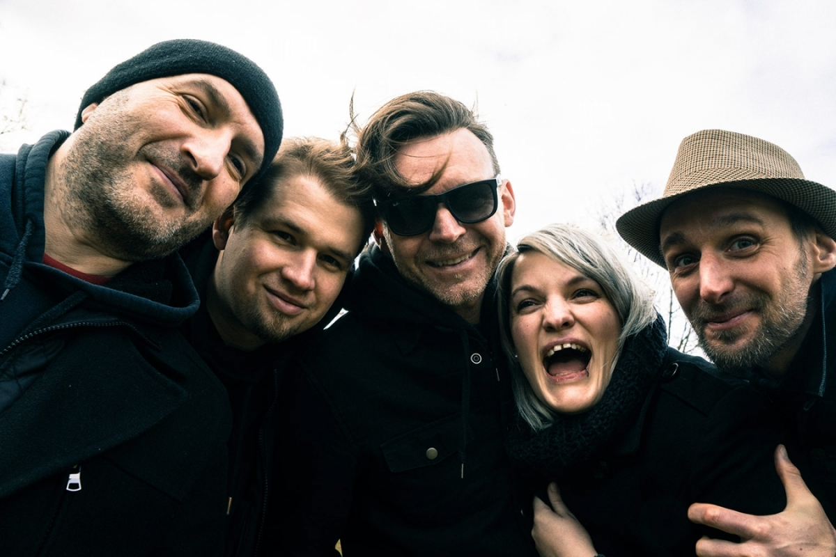 Kapela Gingerhead vydává nový klip a vyráží na turné s Wohnouty