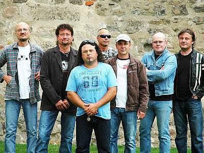 Extra Band revival zahraje ve Starém Plzenci