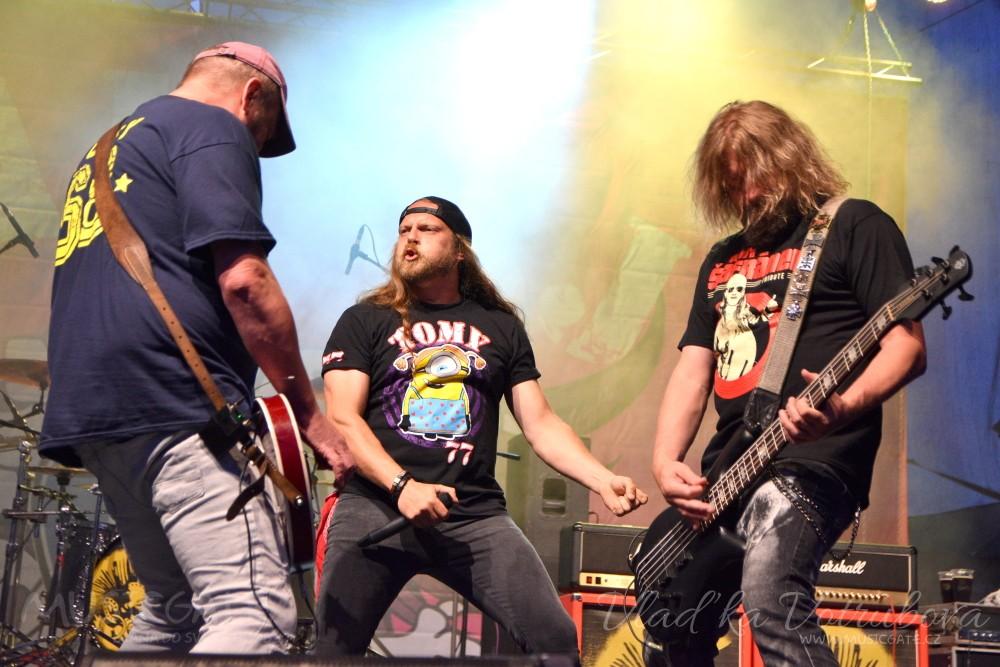 V Klatovech propukla rocková vichřice Harleje, Alkeholu a Aušusu!