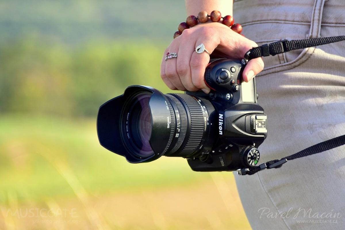 Život za hledáčkem koncertního fotografa - část první očima Vladi Votrubové