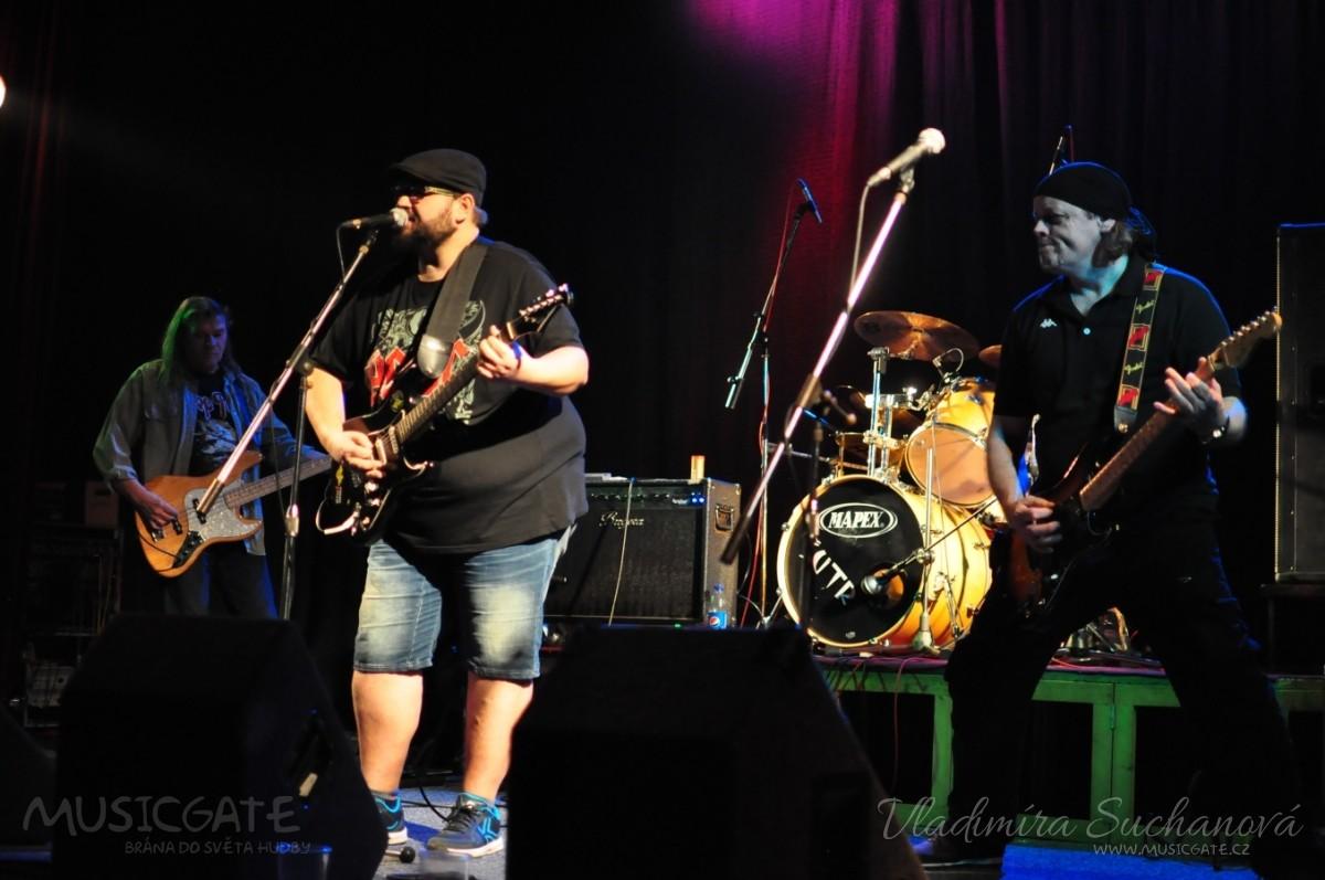 V Divadle Pod čarou se chystá rockový večer s kapelami Šutr, Ucho a Gruzavik