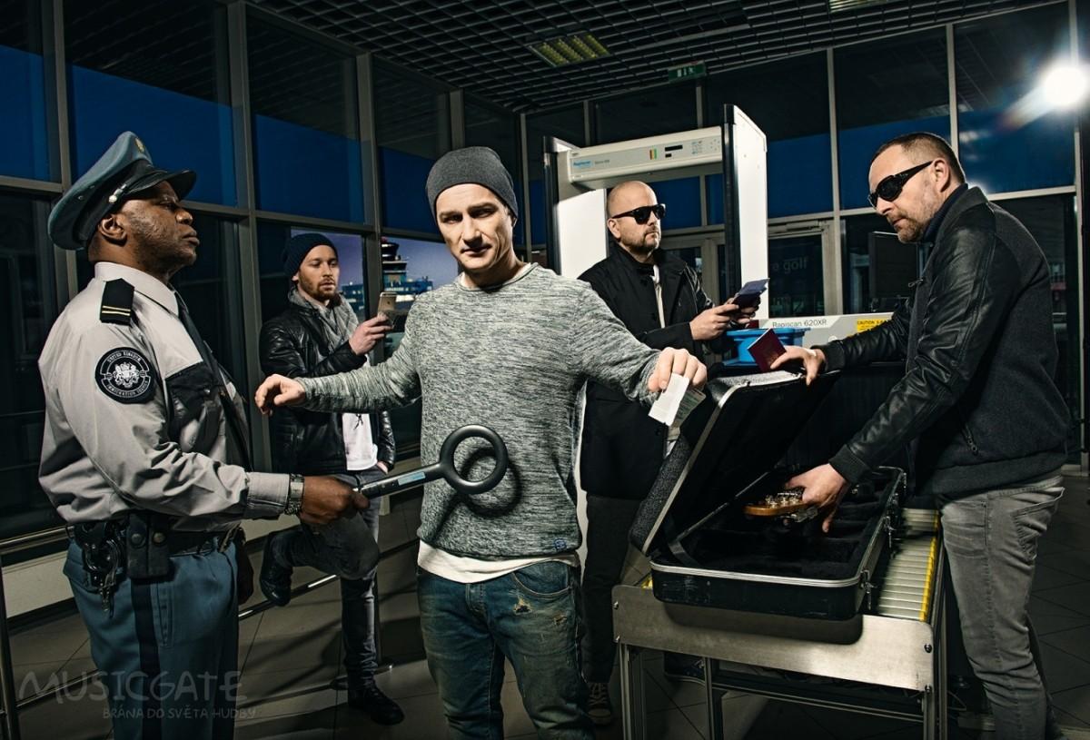 Aktuální singl SayIt ohlašuje příchod nového alba kapely Portless