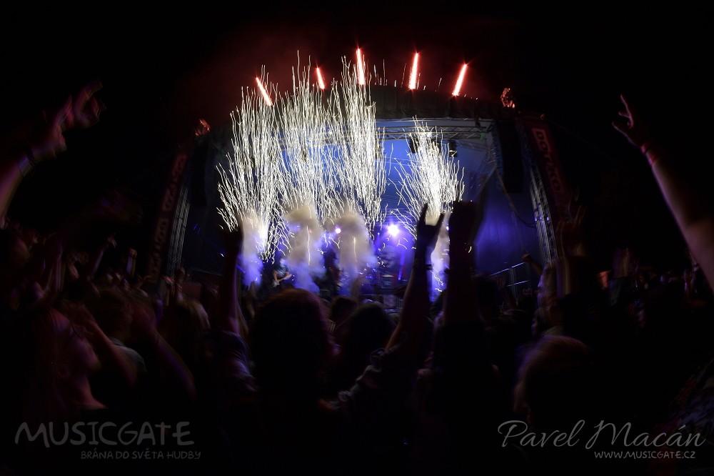 Punk rocková exploze Rybiček 48 vypukla na Pekelným létě! Hostem večera byli Street 69 a Sticx