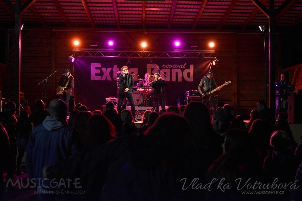 Extra Band revival rozjel svou rockovou jízdu v Tlumačově!