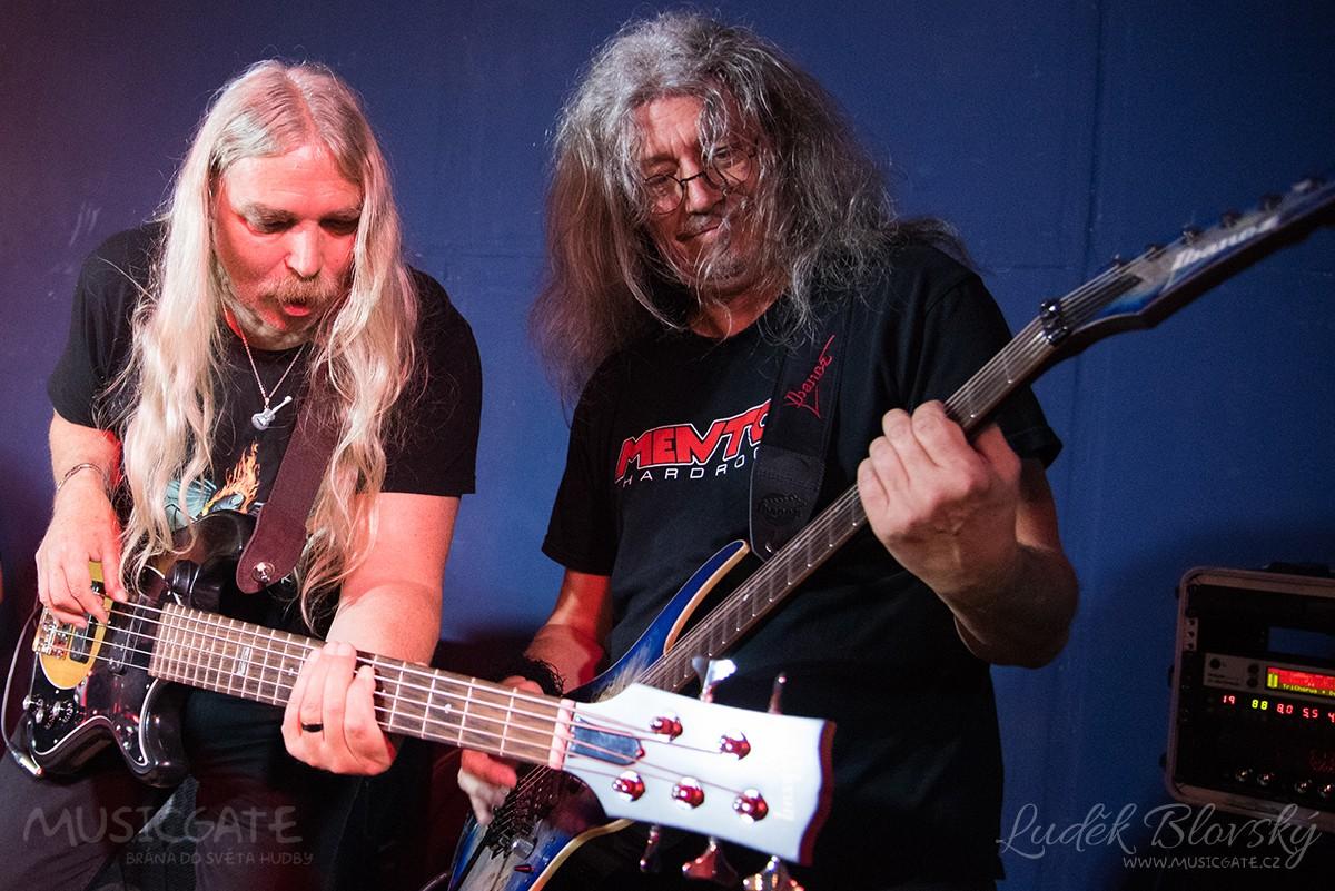 Hard rockový večírek s Mentolem v Blue Baru Zbiroh