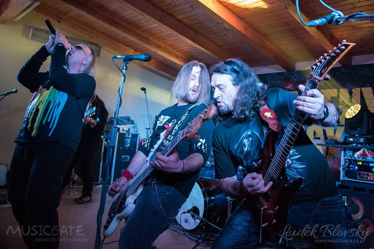 V Dolanech rozjely po covidovou rockovou šňůru Ukradený Vjecy