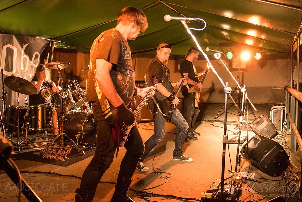 Koncert na Sladovně v Mýtě měl na programu vystoupení dvou kapel - VoltAge a V.P.O.ho