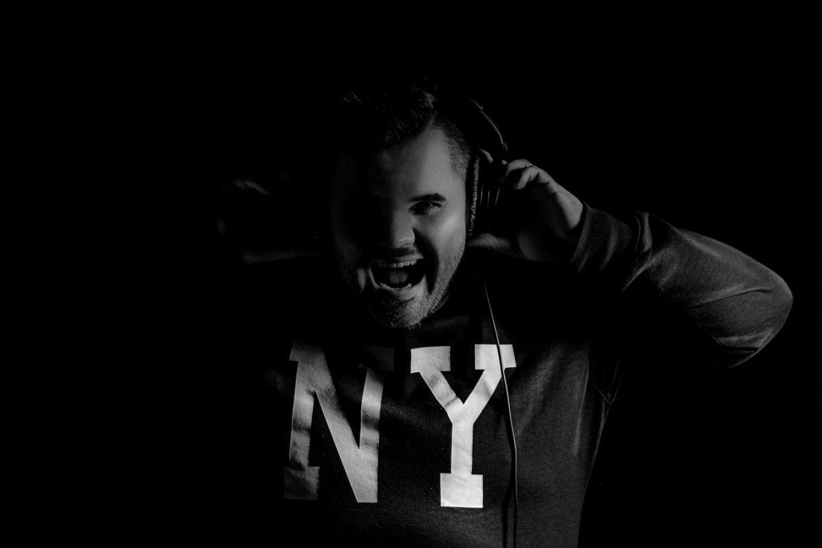 Mikael van Dikeen o mladých DJs, českém hudebním nevkusu, úpadku rádií i svých začátcích
